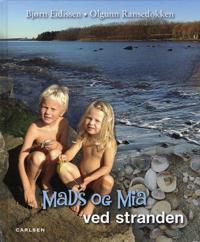 Mads og Mia ved stranden
