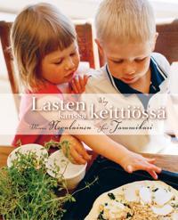 Lasten kanssa keittiössä