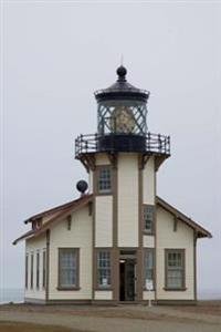 Lighthouse at Point Cabrillo California USA Journal: 150 Page Lined Notebook/Diary
